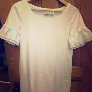 Women's white dress with ruffle arms